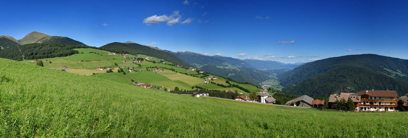 Panoramic View Of The Mountains Hotel Oberlechner