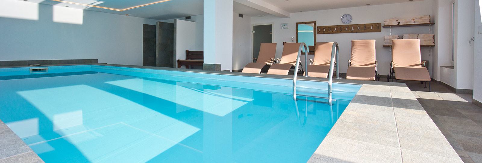 Swimming pool - Hotel Oberlechner
